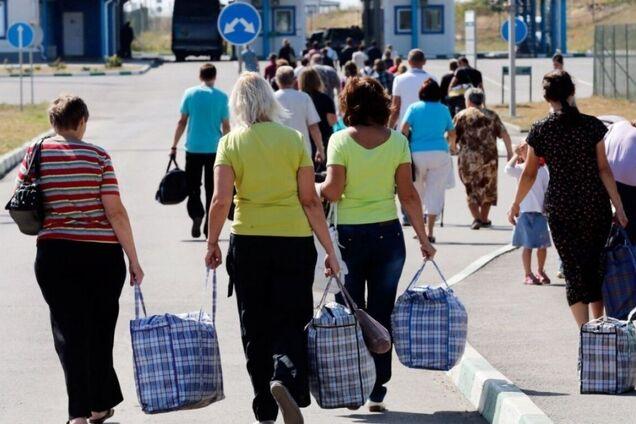 Люди были вынуждены покинуть Донбасс
