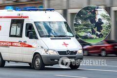 У центрі Дніпра чоловік встромив у себе ножа на очах у натовпу. Фото та відео 18+