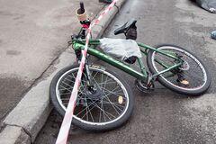 На Ривненщине парень погиб, упав с велосипеда из-за толчка