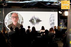 Фонд Рината Ахметова презентовал концепцию онлайн-музея 'Голоса Мирных'