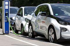 Сколько электромобилей уже ездит по Украине: названа цифра
