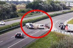 Загадочный и необъяснимый маневр водителя Nissan привел к ДТП