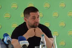 Украинцы в сети подняли на смех заявление Арахамии о выгоде провала 'Слуг'