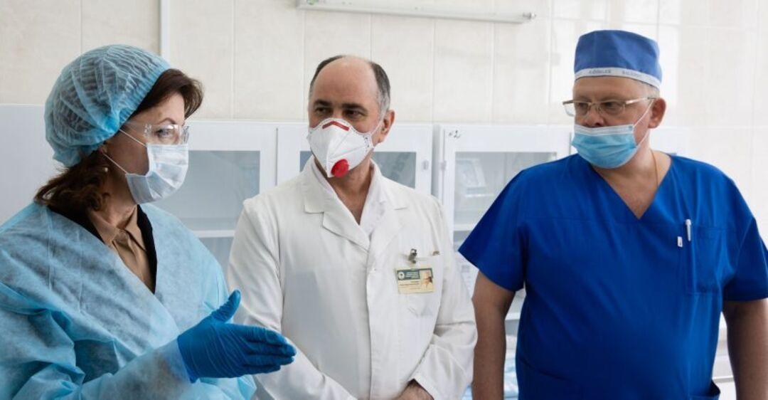 Медики не защищены, в больницы стоят очереди из ''скорых'', но мы знае