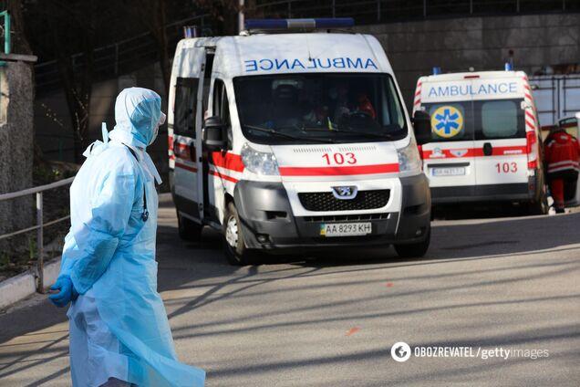 В Украине изменили стандарты помощи при коронавирусе