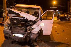 У Дніпрі трапилася серйозна ДТП, є постраждалі. Фото