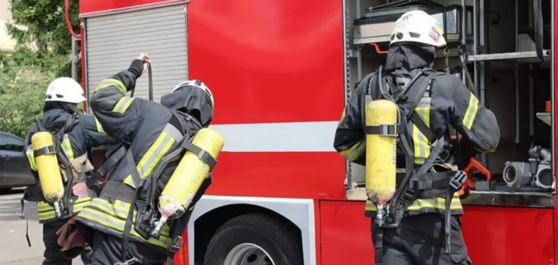 Під Києвом на ринку спалахнула масштабна пожежа. Відео