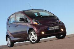 Первый в мире массовый электромобиль снимают с производства