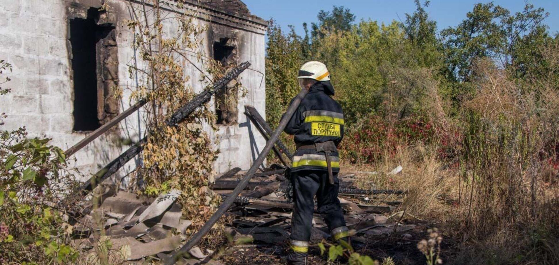 У Дніпрі в завалах після пожежі виявили людські останки. Фото 18+