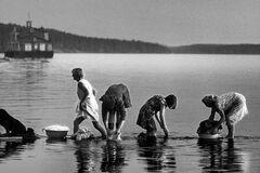 Стирка белья на Волге в СССР в начале 1980-х годов