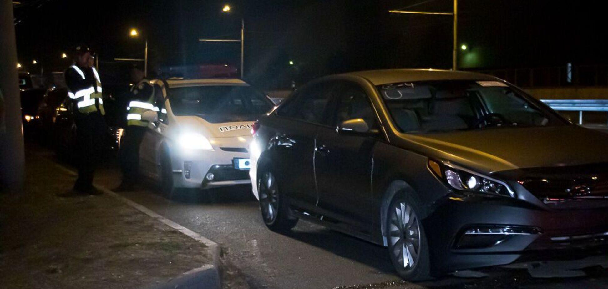 У Дніпрі в нічній ДТП на Набережній Заводській постраждала дівчина. Фото