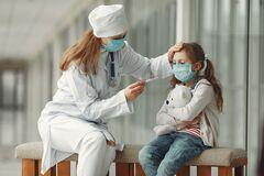 Врач назвала симптомы коронавируса у детей