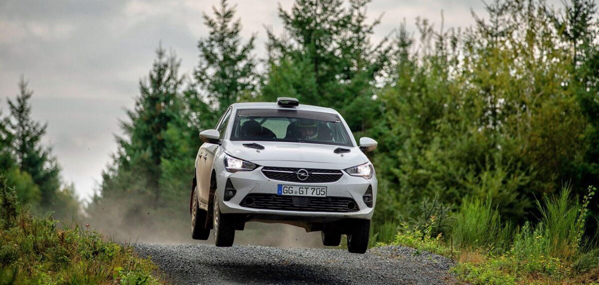 Компанія Opel презентувала гоночну версію Corsa