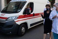 Марина Порошенко посетила в больнице Владимира Балуха. Фото: Европейская Солидарность