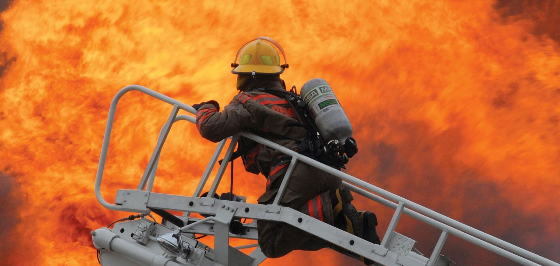Під Дніпром пожежа в багатоповерхівці забрала життя жінки