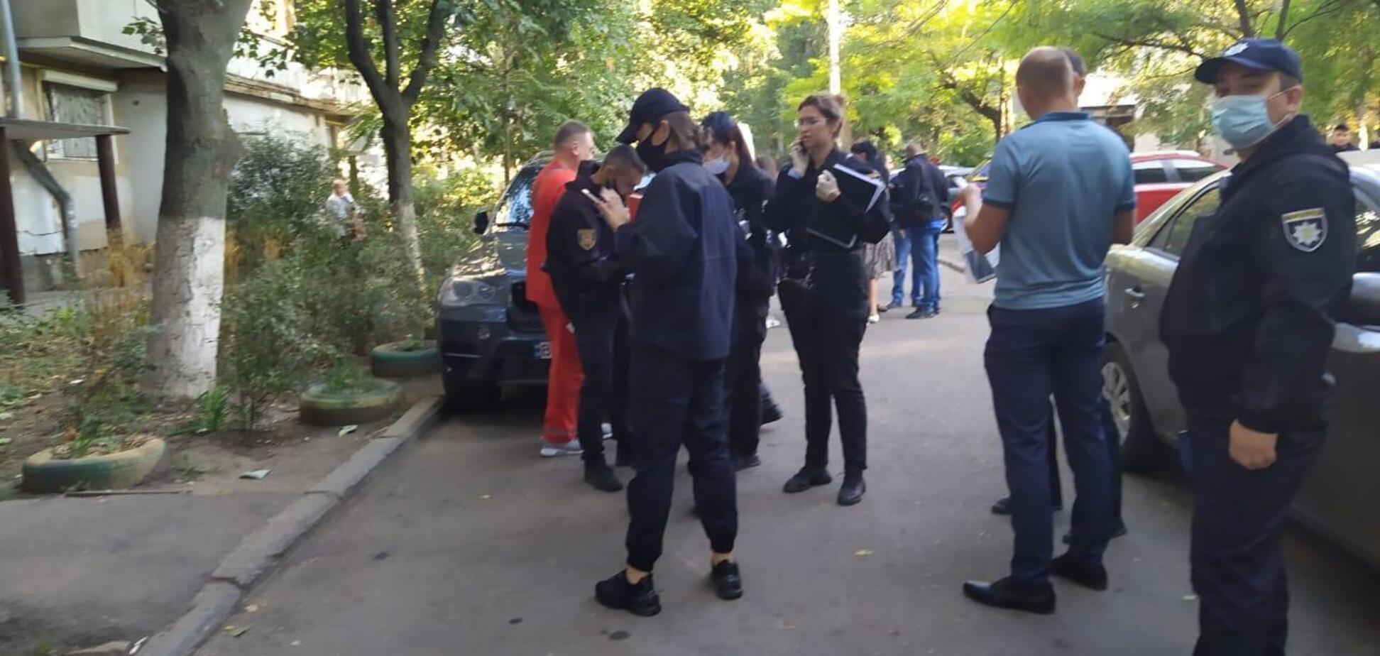 В Одессе зарезали девушку в аптеке: подозреваемый задержан. Фото 18+