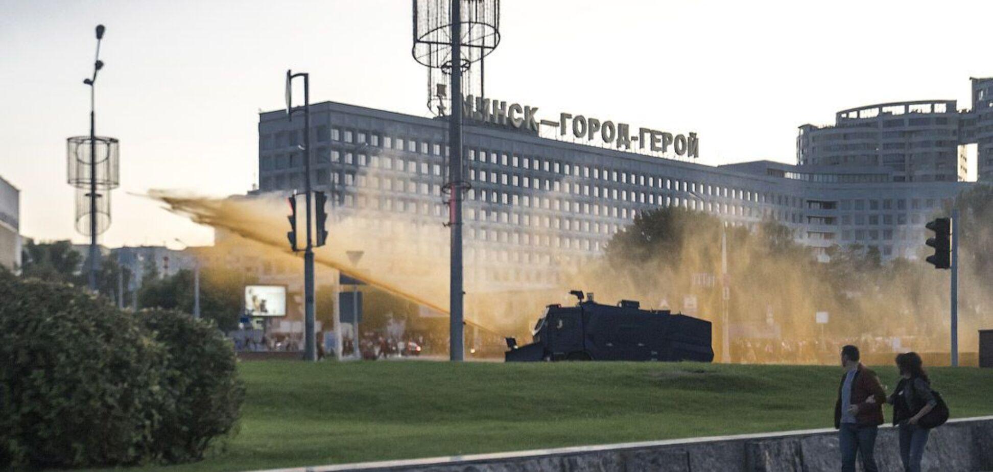 Тайная 'инаугурация' Лукашенко: людей поливали из водомета