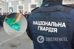 Бойцы Нацгвардии нашли личинки в сухпайках: опубликовано видео