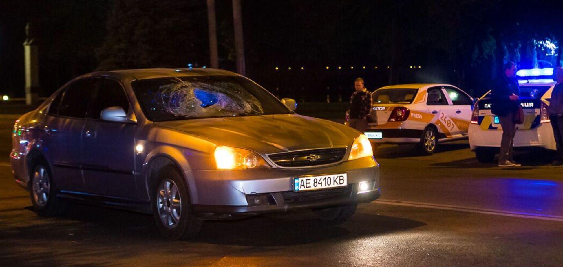 У Дніпрі автомобіль збив пішохода-порушника. Фото