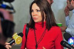 Сюмар повідомила про розгляд Радою законопроєкту, що забороняє депутатам працевлаштовувати родичів. Фото: Європейська Солідарність