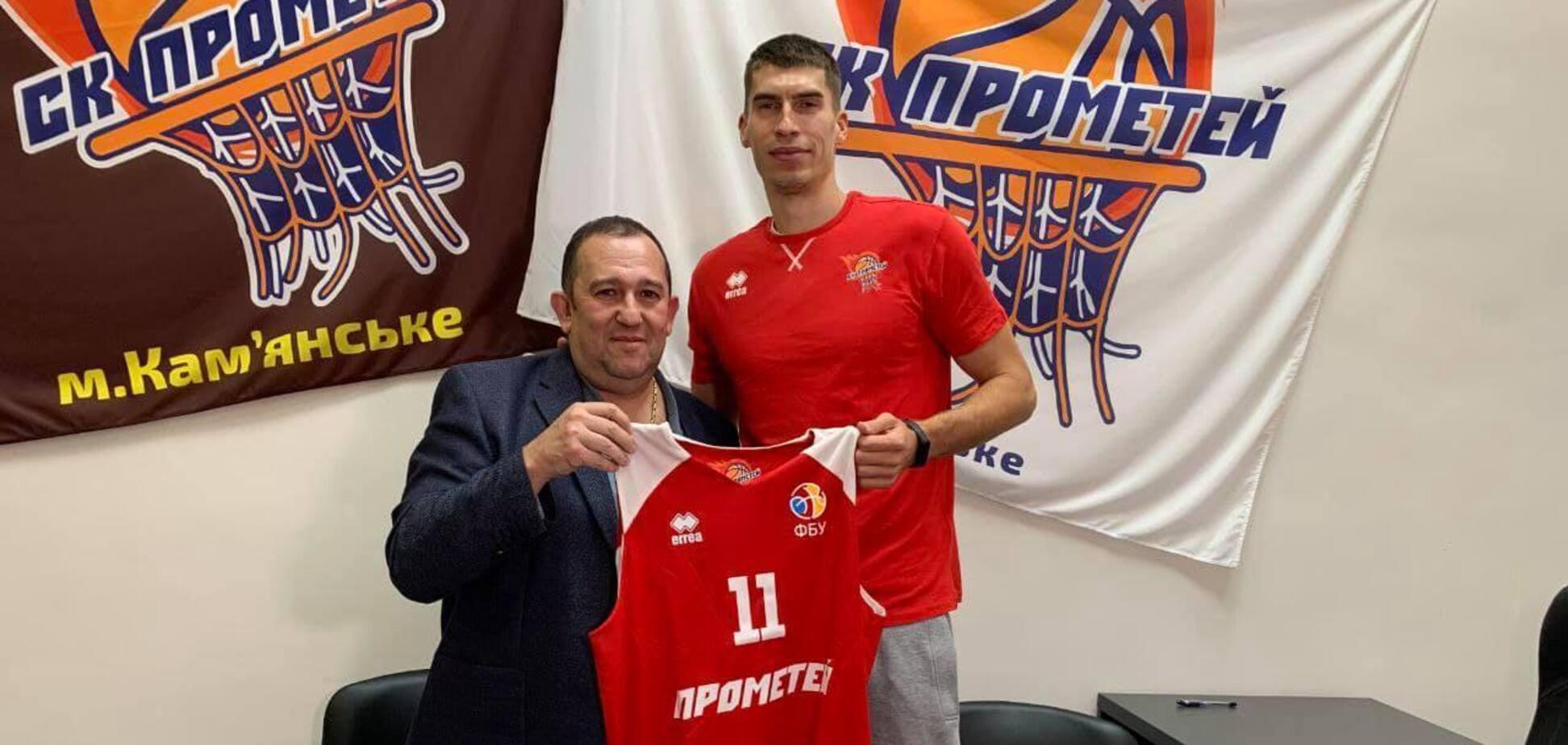 СК 'Прометей' подписал контракт с защитником сборной Украины