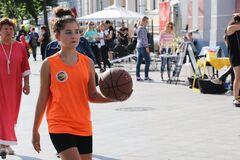 В Житомире в день траура провели спортивный праздник. Фото: Facebook Житомирского горсовета