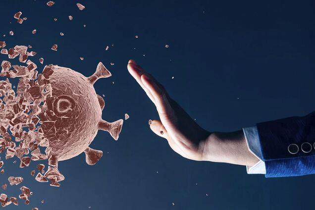 Экс-главный санврач Украины: коронавирус нельзя контролировать, сильный иммунитет может сыграть злую шутку