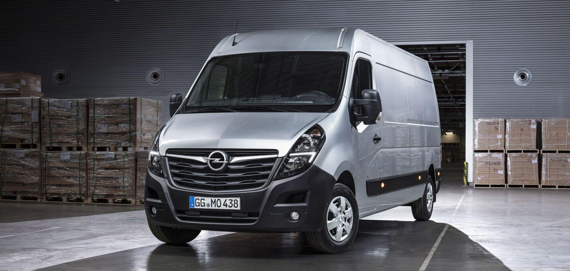 Opel готує електричну версію фургона Movano