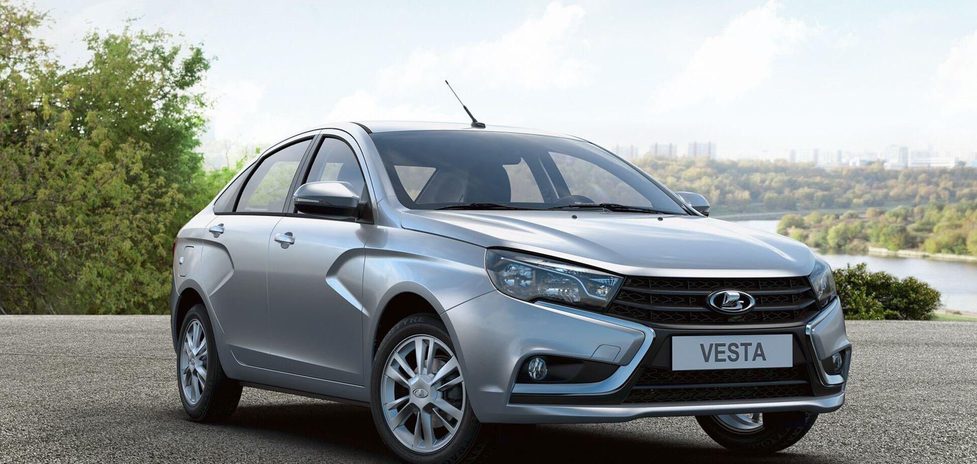Журналісти порівняли ціни на моделі Lada російського та українського складання