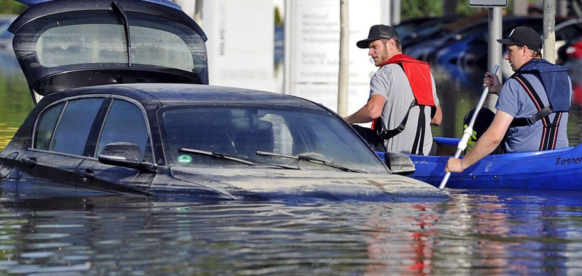 В Україну може ринути потік свіжих автомобілів-потопельників зі США