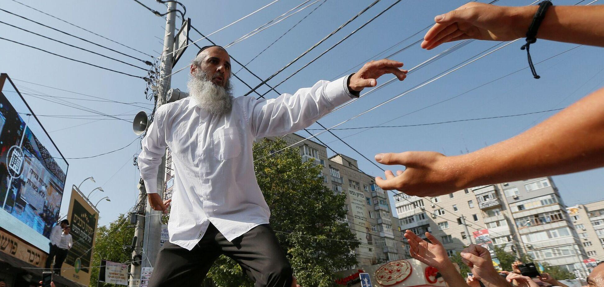 Хасидам заборонили збиратися більше за одну людину на 10 кв. м
