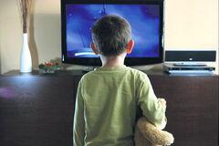 Доказано пагубность просмотра телевизора для школьников