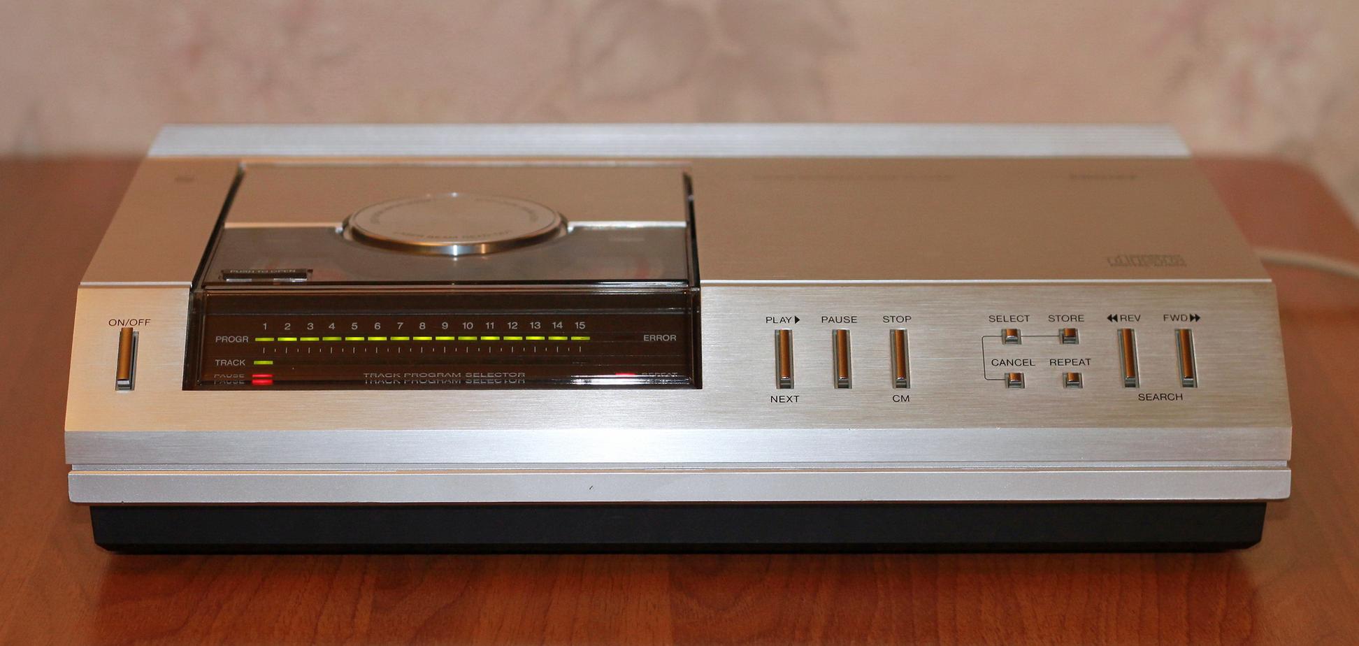 Sony и Philips совместно занимались разработкой первых CD-плееров