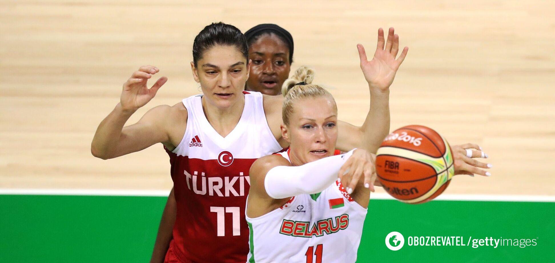 Олена Левченко
