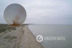 Пылевой вихрь засняли возле Тузловских лиманов