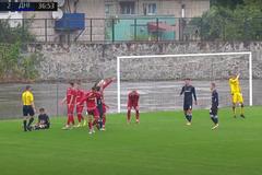 Футболіст у Кубку України забив божевільний 'багаторазовий' пенальті. Відео
