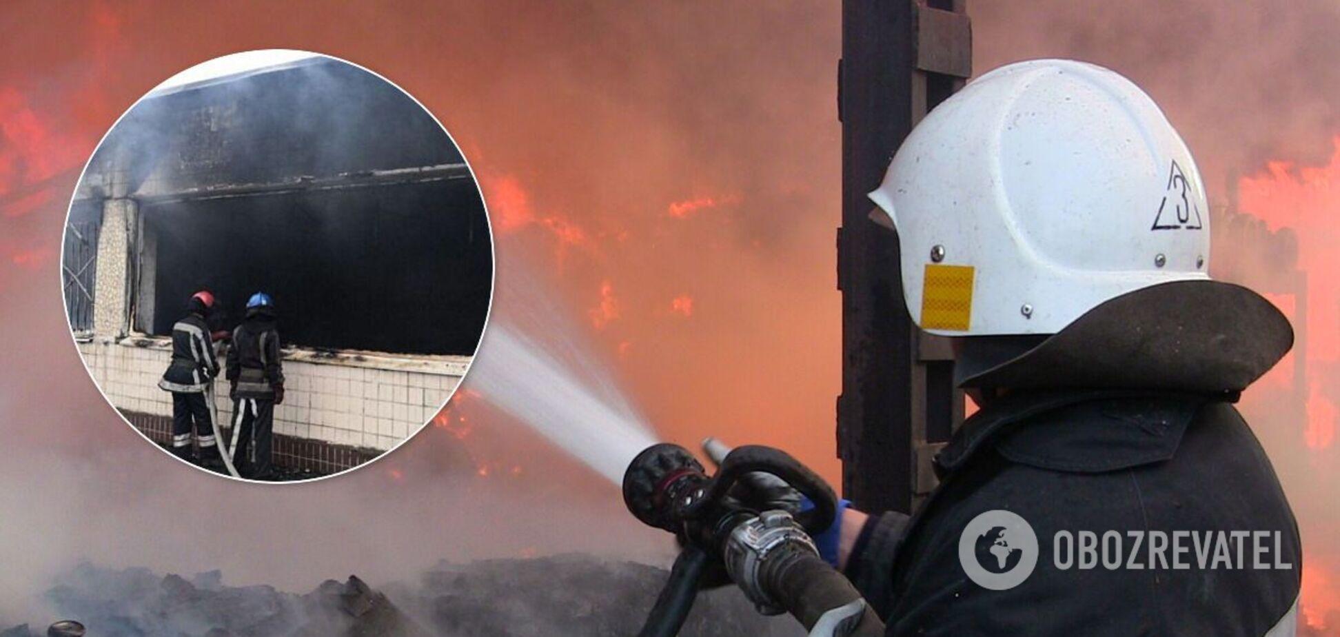 В Кривом Роге из-за пожара в школе эвакуировали детей и сотрудников. Фото