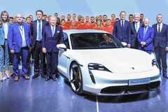 В производстве Porsche Taycan поможет Audi. Фото: insideevs.com