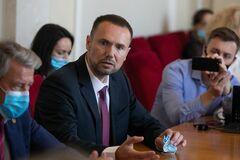 Шкарлет заявил, что в Украине 123 тысячи учителей