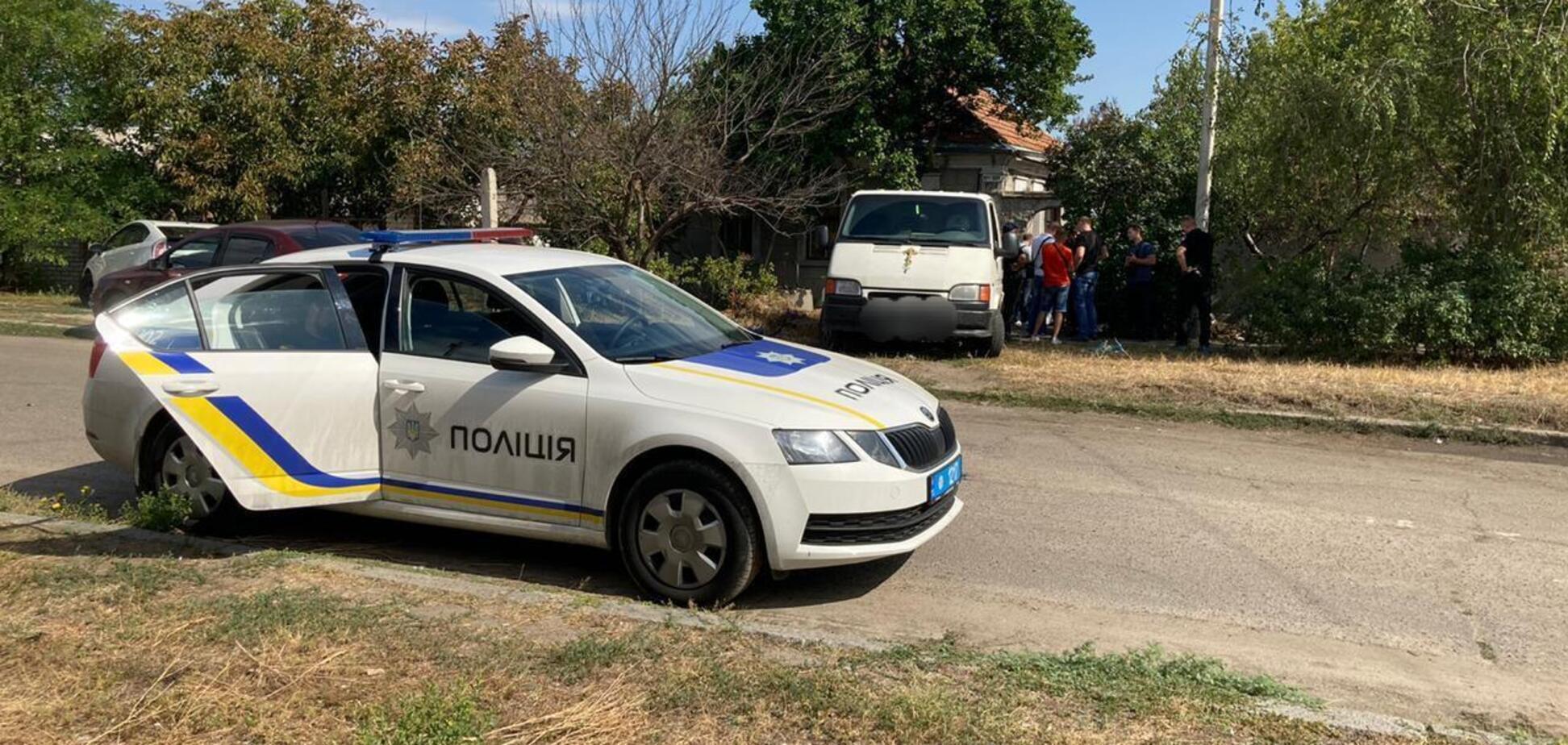 В Николаеве возле реки нашли тело мужчины, а в его доме обнаружили еще один труп