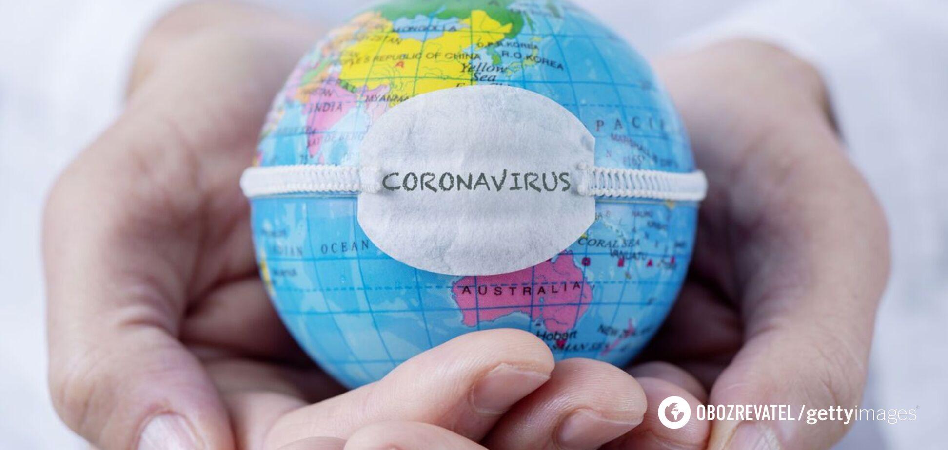 Маски і соціальна дистанція: що насправді рятує від зараження COVID-19