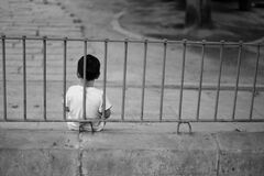 У Кривому Розі 6-річна дитина втекла з дому через тиранію маминого співмешканця