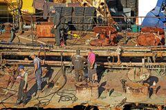 З танкера Delfi зріжуть зайві конструкції і приберуть механізми