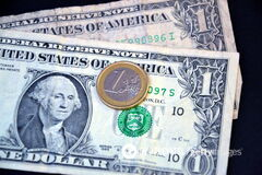 Названа самая лучшая валюта для хранения сбережений