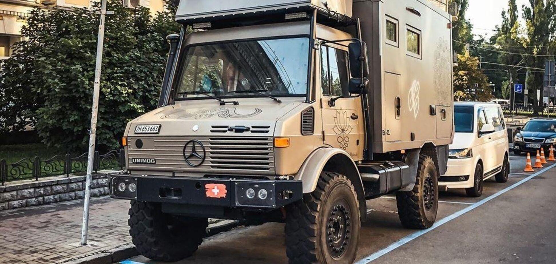Унікальний Mercedes Unimog знайшли в центрі Києва. Фото: Instagram @topcars_u.a