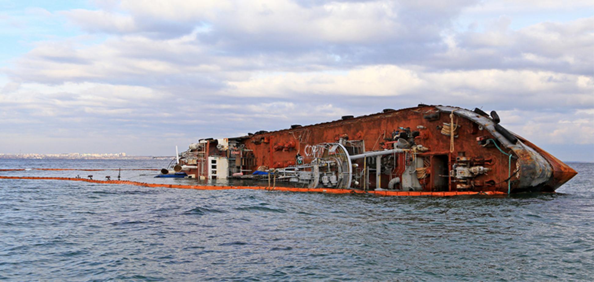 Затонулий танкер 'Делфі' в Одесі