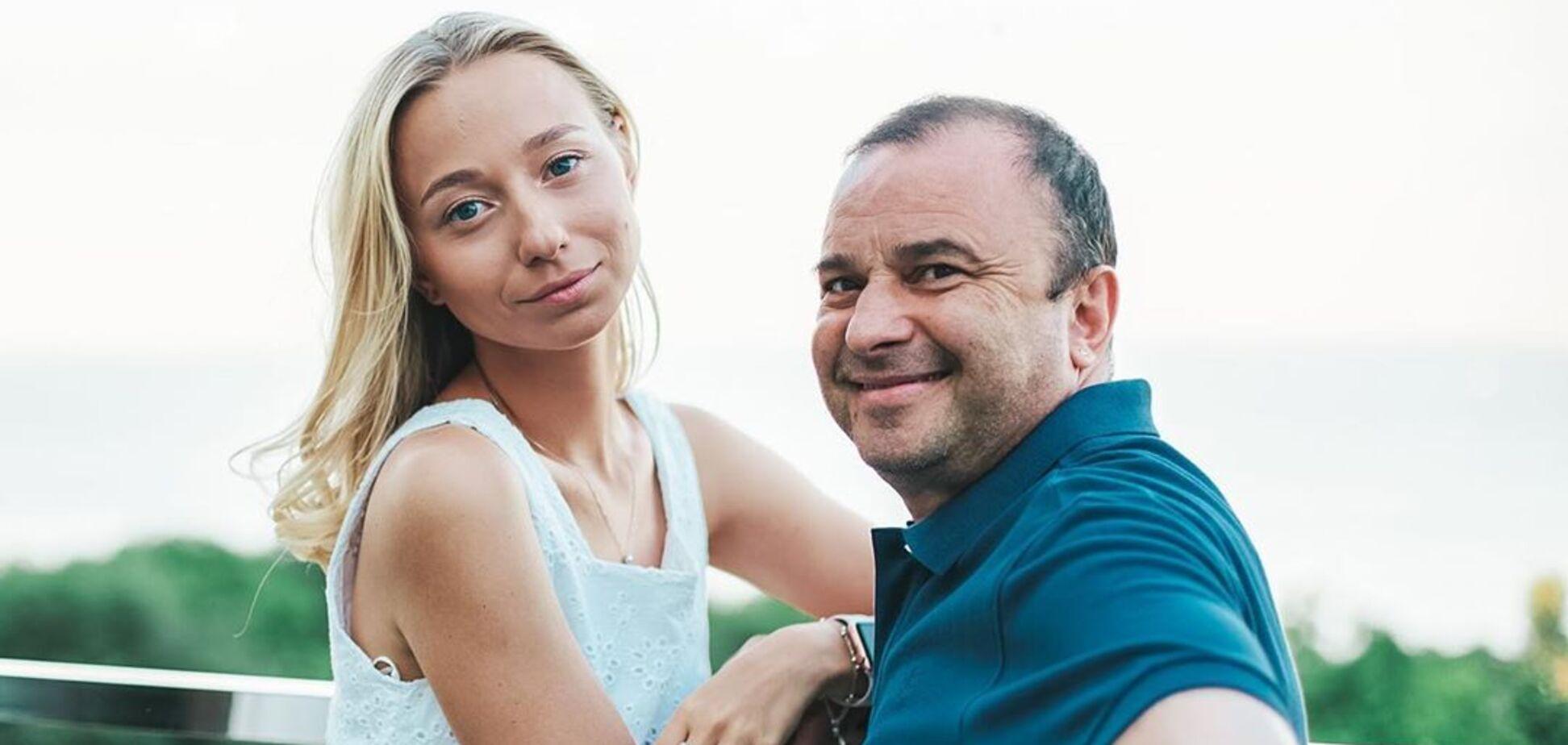 Молода дружина Павліка вагітна первістком. Фото