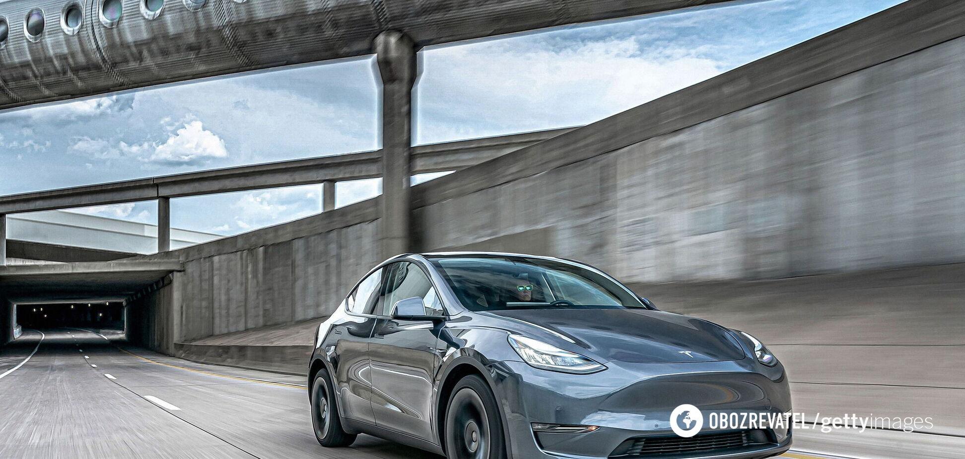 Водитель назвал недостатки автопилота Tesla после 12 часов за рулем