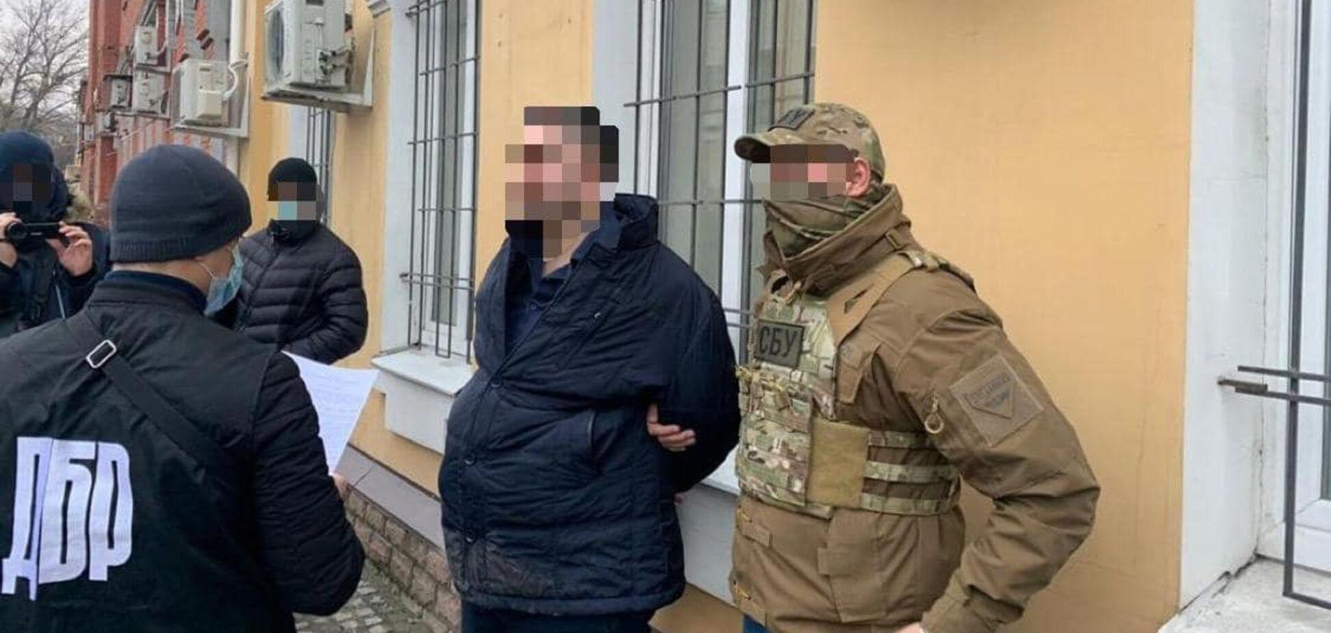 На взятке разоблачили военного прокурора Запорожского гарнизона