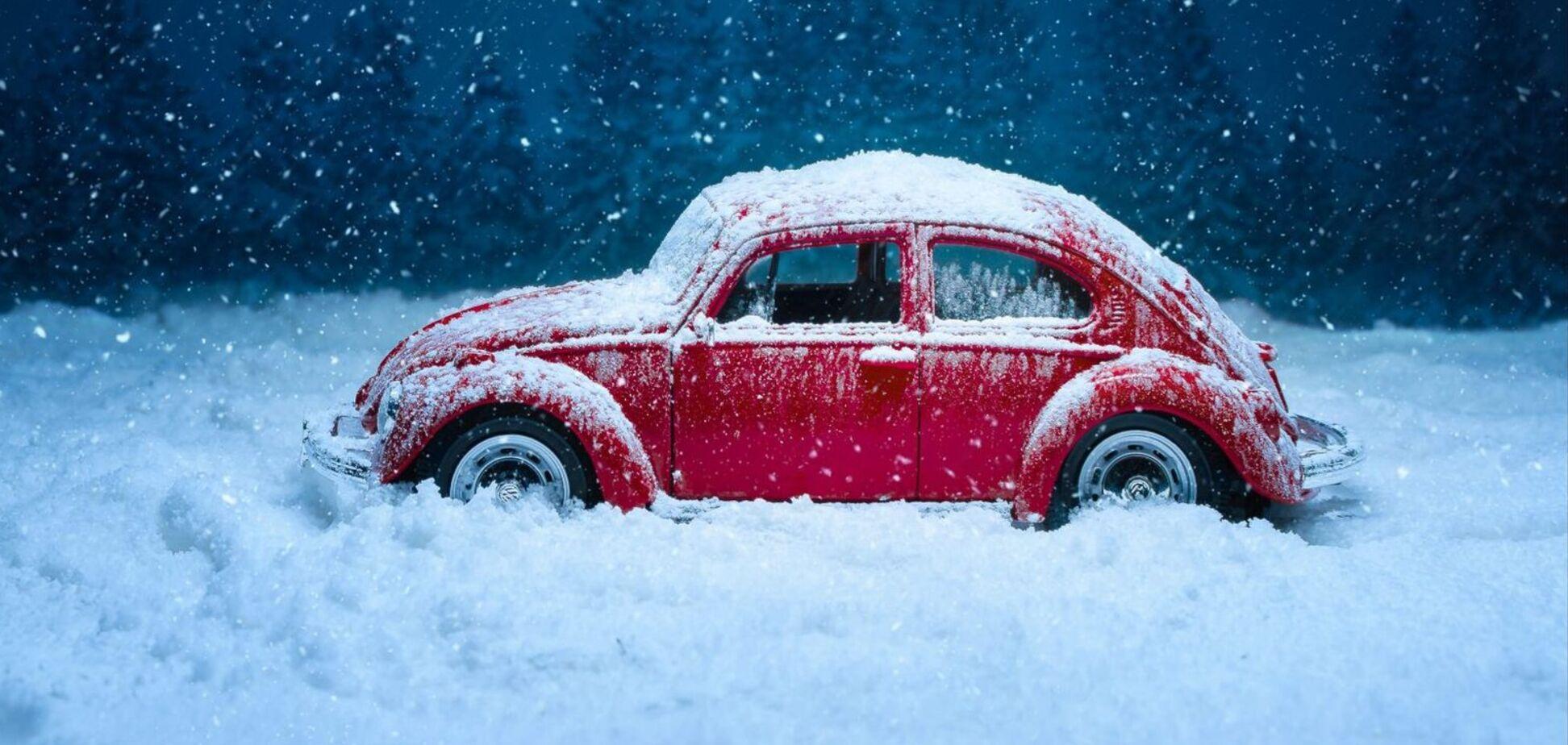 Як водити машину взимку
